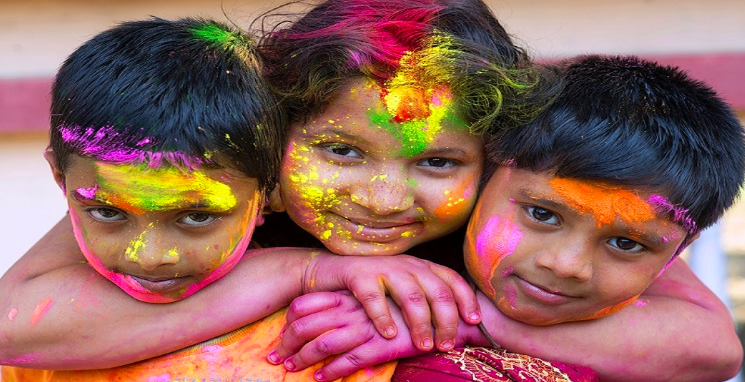 Safety precautions for kids during Holi: Home-Made Holi Colours for Toddlers