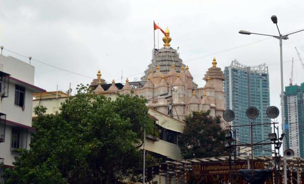 कोरोना का मंदिरों पर भी लगा पहरा, भगवान के दर्शन से श्रद्धालु हो रहे हैं महरूम