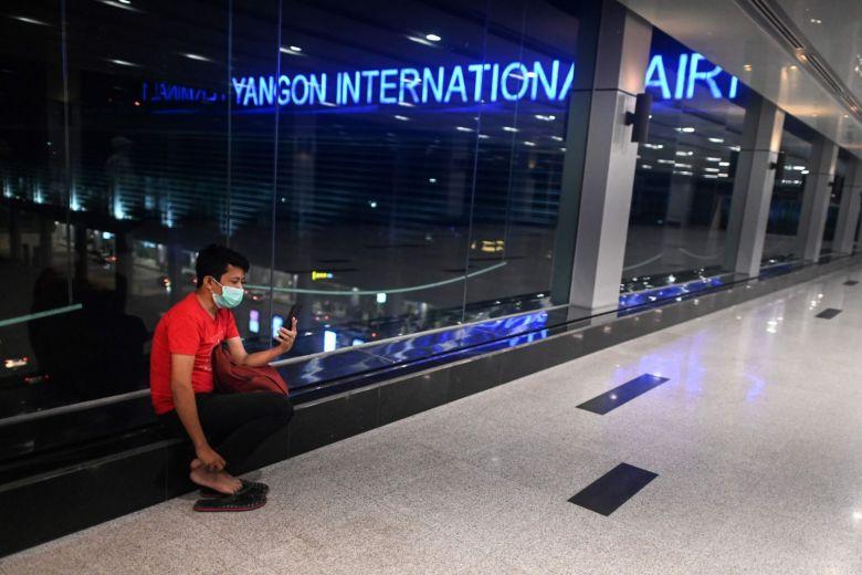 म्यांमार ने सभी विदेशी उड़ानों की लैंडिंग को निलंबित कर दिया है, कोई भी वीजा जारी नहीं करने का किया घोषणा