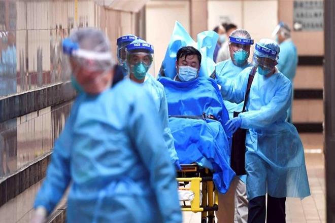 केंद्र द्वारा  डॉक्टरों और फ्रंटलाइन स्वास्थ्य कार्यकर्ताओं को पर्याप्त सुरक्षा प्रदान करने का आदेश