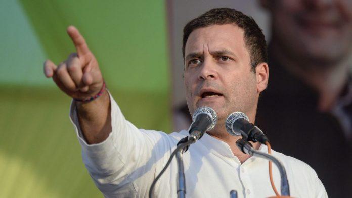 COVID-19 की लड़ाई , मजदूरों का शोषण करने का बहाना नहीं हो सकती: राहुल