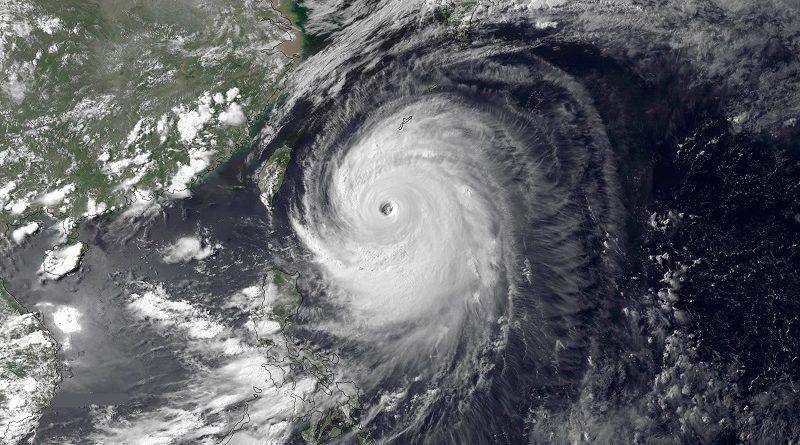 बंगाल की खाड़ी में आने वाले चक्रवाती तूफान की तैयारी