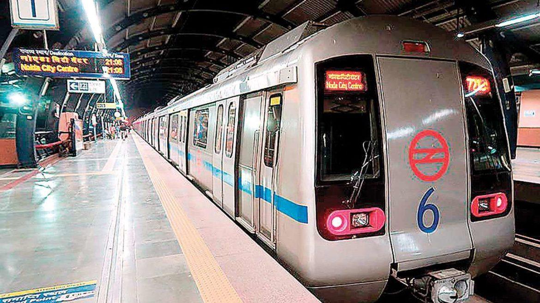 दिल्ली सहित विभिन्न शहरों में मेट्रो सेवाएं पांच महीने के अंतराल के बाद फिर से शुरू
