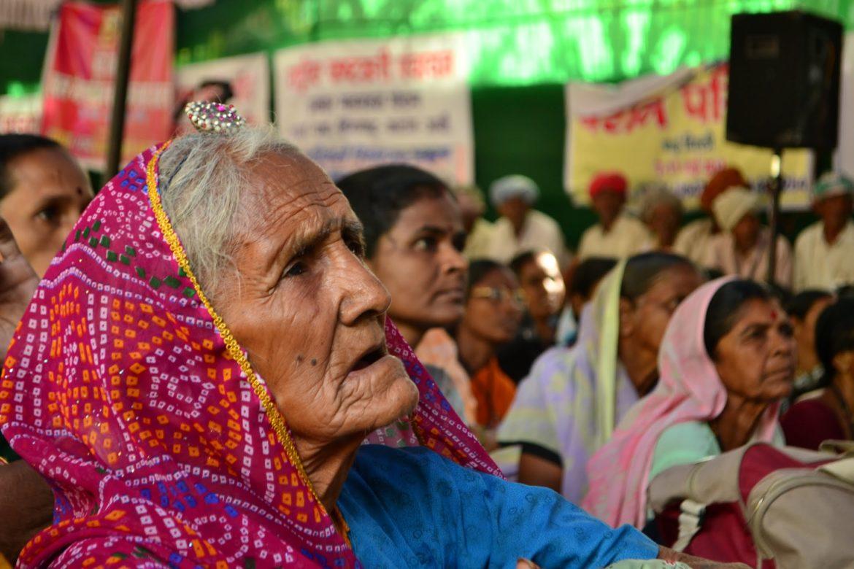 झारखंड:परेशान लाभुक लॉकडाउन की स्थिति में भूखे मरने के लिए विवश हो रहे