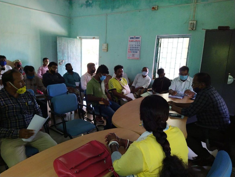 झारखंड: अनुमण्डल पदाधिकारी शंकर एक्का ने विभिन्न योजनाओं गहन समीक्षा की