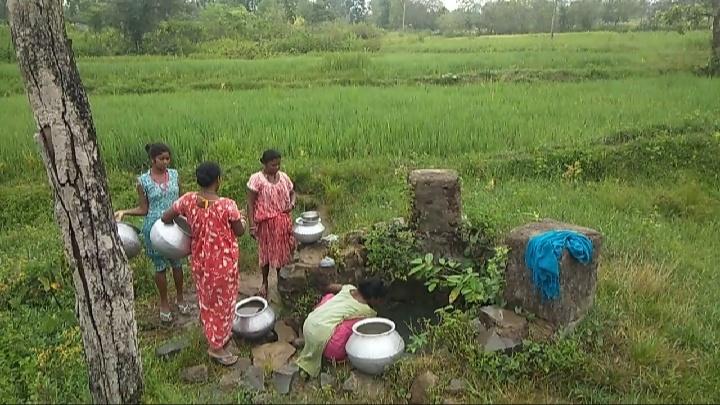 दूषित पानी पीने को मजबूर पोखरियासाई के ग्रामीण: झारखंड