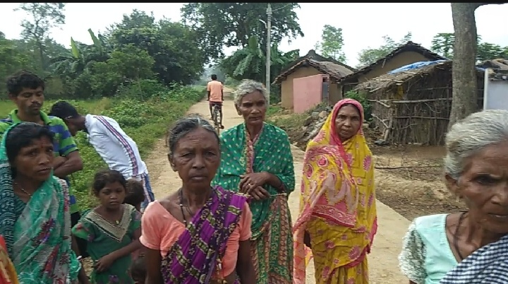 कुमारडुँगी के ग्राम टाँगर टोला सोड़ोपसाई में नही मिला एक भी आवास