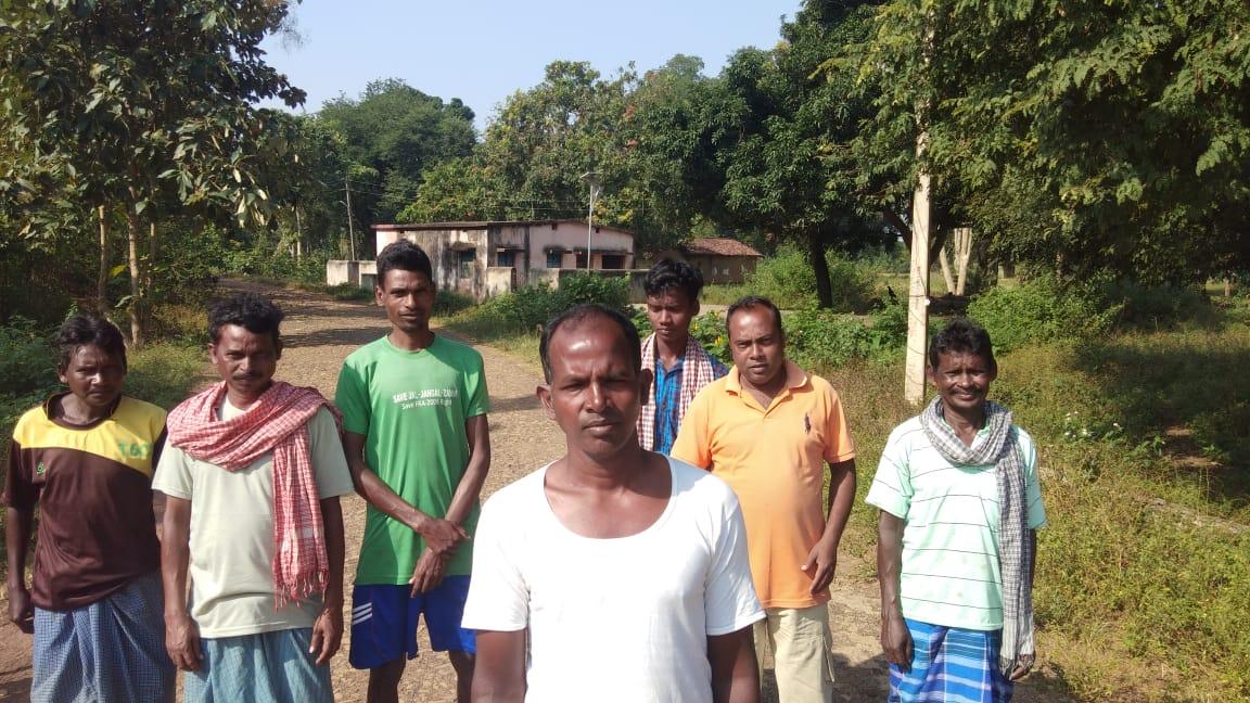 """ग्रामीणों का मतदान बहिष्कार का ऐलान """"रोड नहीं तो वोट नहीं"""""""
